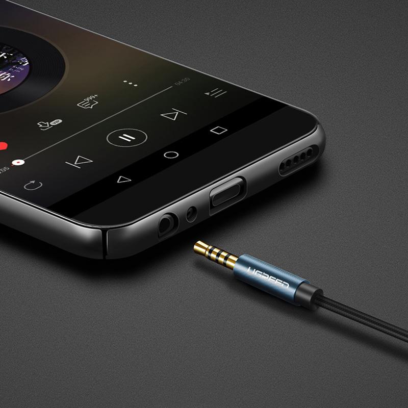 cap-audio-3-5mm-3-nac-noi-dai-1m5-cao-cap-ugreen-40674